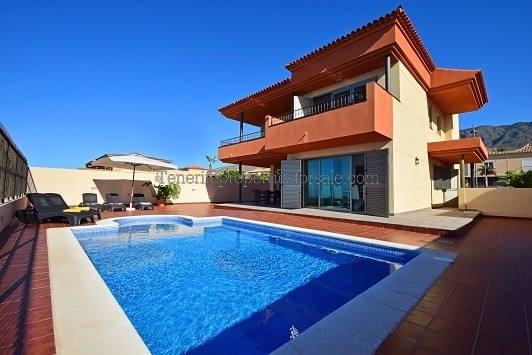 A4A527 Villa  Adeje 1100000 €