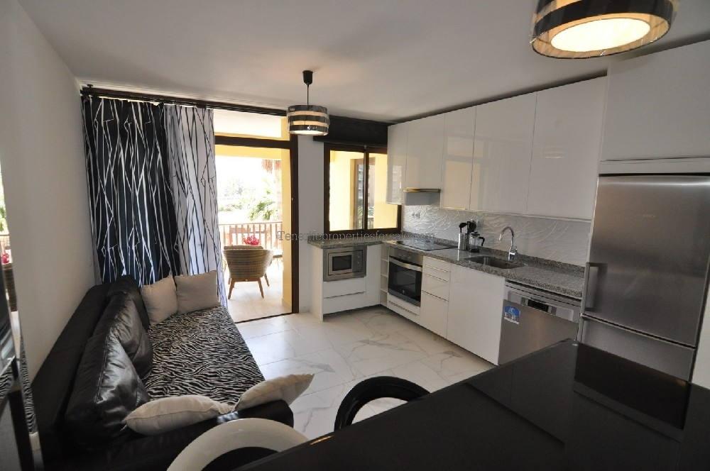 A2PLA548 Apartment PUEBLO CANARIO Playa de Las Americas 378000 €