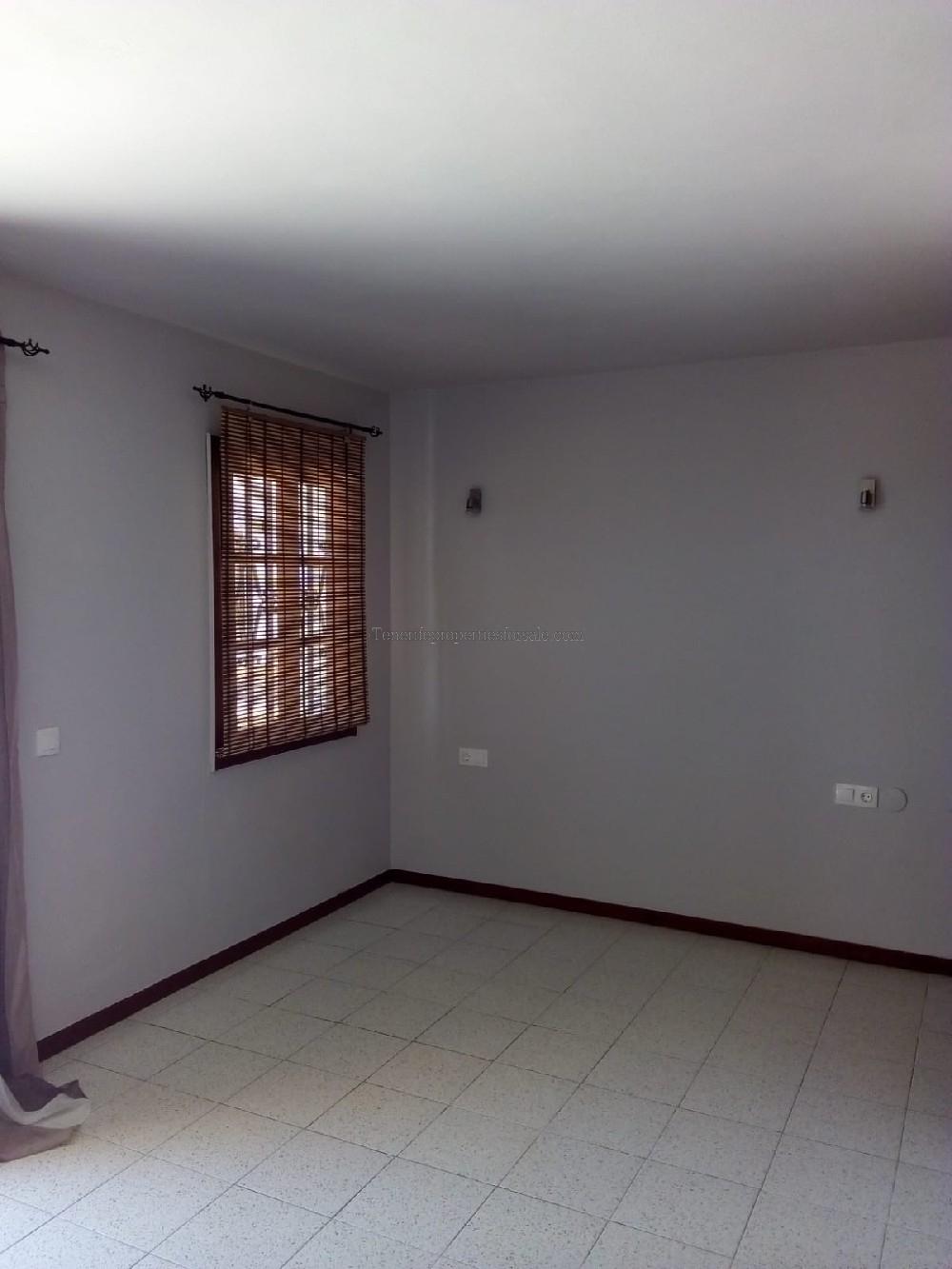 A0TVA627 Studio