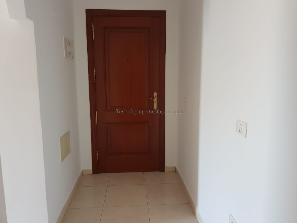 A2E671 Apartment