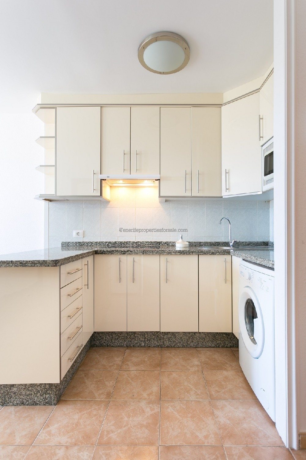 A1LC751 Apartment