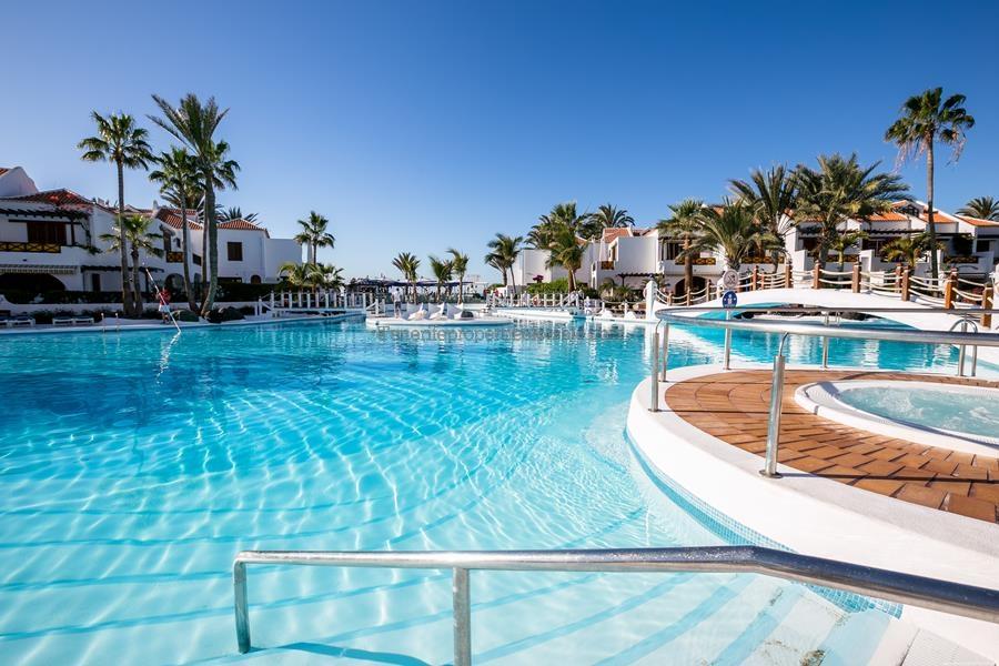 A3PLA755 Villa Parque Santiago 3 Playa de Las Americas 899000 €