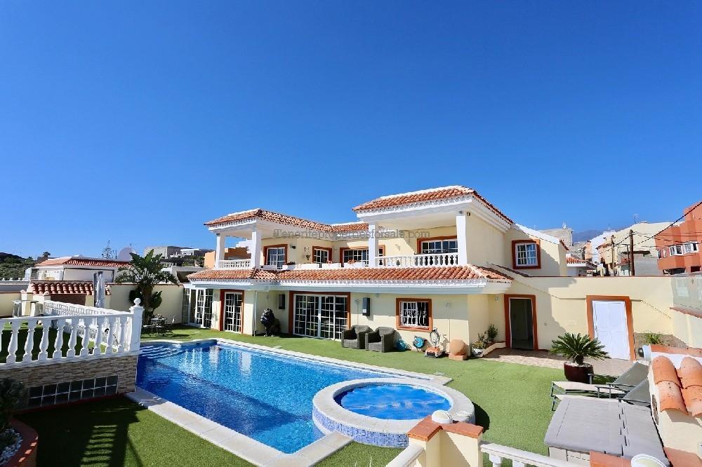 A6E814 Villa