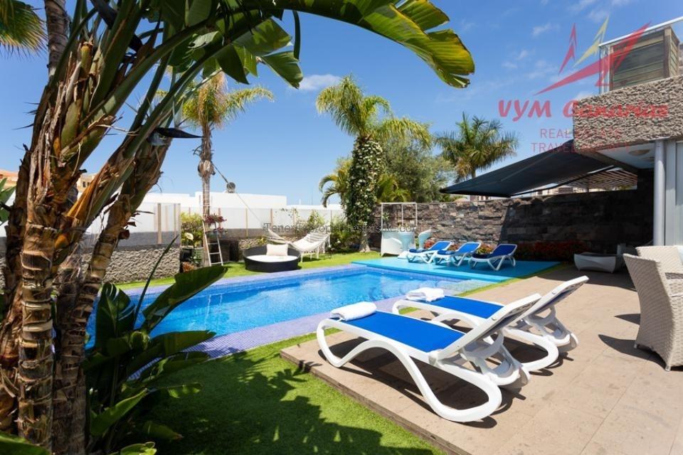 A5CA847 Villa