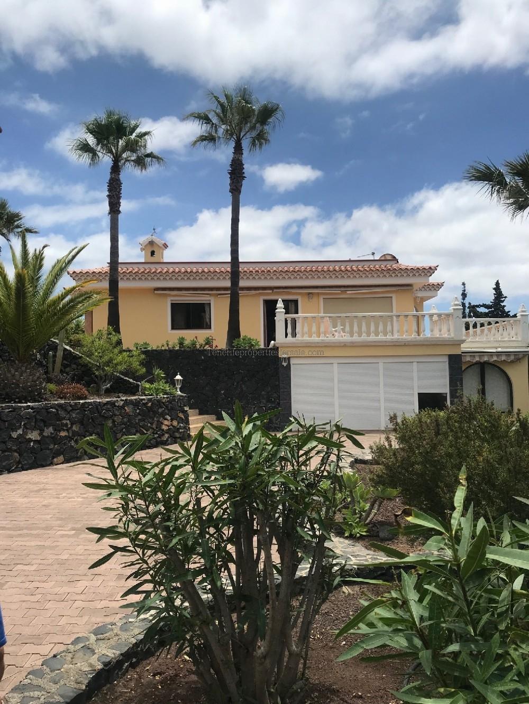 6E141 Villa VILLA VERDE Arona 1275000 €