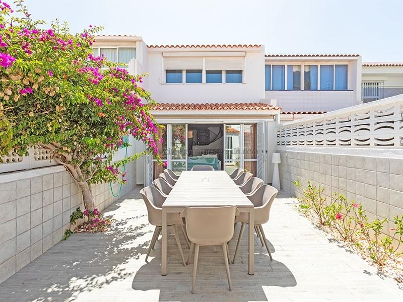 A3PLA1087 Villa PARQUE SANTIAGO I Playa de Las Americas 650000 €