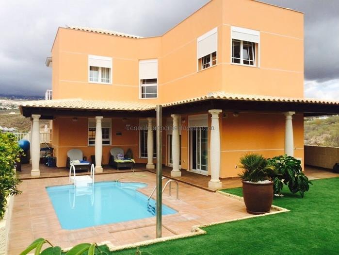 4LC39 Villa Mesetas Del Mar Los Cristianos 880000 €