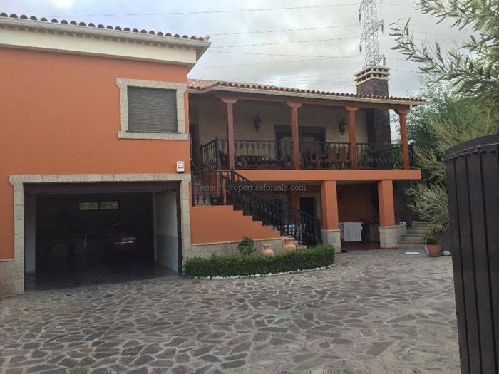4E49 Villa Los Migueles Buzanada 503000 €