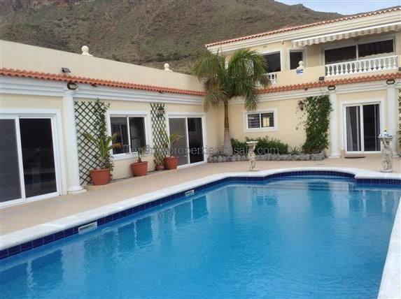 6E14 Villa Private Villa Valle San Lorenzo 1475000 €