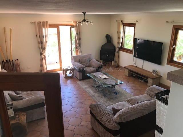 6O102 Villa
